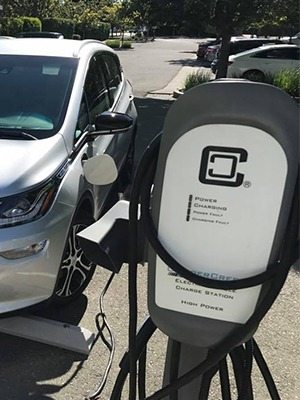Chevy-Bolt_Comm_Charging_Wood_River-Terrace-Napa