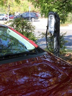 chevy-volt-charging-at-clippercreek